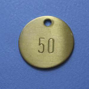 Kennzeichnungsmarke aus Messing mit fortlaufender Nummerierung